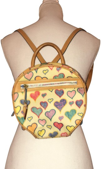 Preload https://img-static.tradesy.com/item/24148112/dooney-and-bourke-round-heart-tote-cream-coated-canvas-backpack-0-1-540-540.jpg