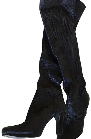 Preload https://img-static.tradesy.com/item/24148122/liz-claiborne-black-over-the-knee-bootsbooties-size-us-65-regular-m-b-0-1-540-540.jpg