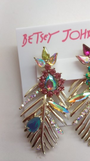 Betsey Johnson Betsey Johnson New Mismatch Gold Frond Earrings