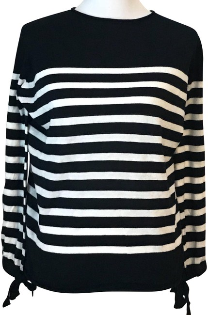 Preload https://img-static.tradesy.com/item/24148247/boat-neck-striped-navywhite-sweater-0-2-650-650.jpg