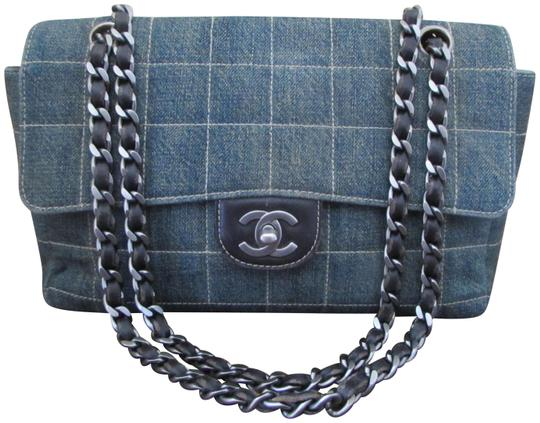 Preload https://img-static.tradesy.com/item/24148299/chanel-classic-square-quilted-distressed-and-leather-flap-denim-shoulder-bag-0-1-540-540.jpg