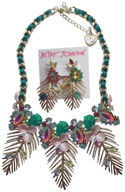 Item - Green New Gold Frond Necklace and Earrings