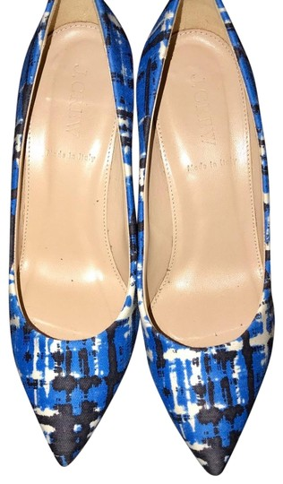 Preload https://img-static.tradesy.com/item/24148628/jcrew-brilliant-cobalt-everly-printed-pointy-toe-pumps-size-us-6-regular-m-b-0-1-540-540.jpg
