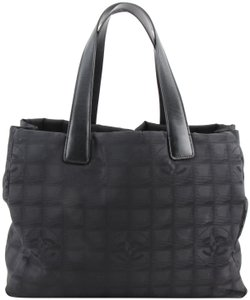 Added to Shopping Bag. Chanel Tote in black. Chanel Cc Logo Travel Line ... d08b3c9b761bb