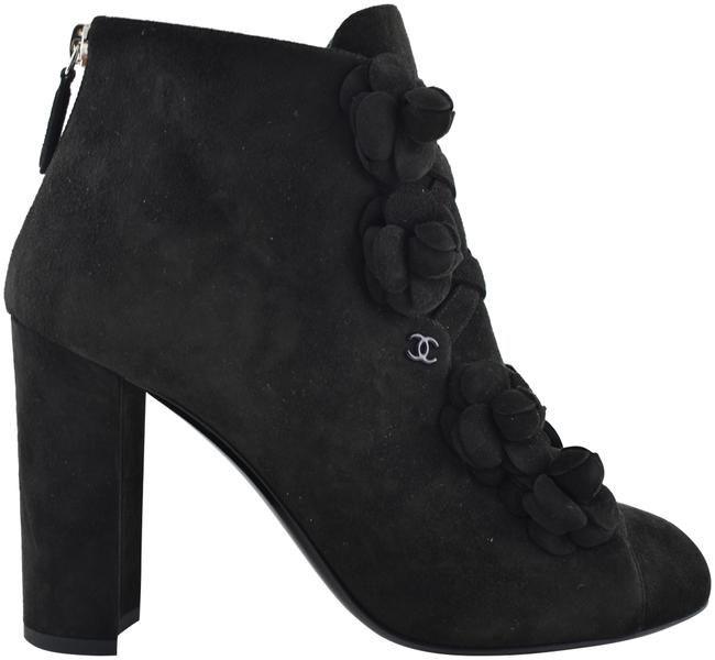 Chanel Black 17a Suede Camellia Flower Cc Logo Short Ankle Heel Boots/Booties Size EU 36 (Approx. US 6) Regular (M, B) Chanel Black 17a Suede Camellia Flower Cc Logo Short Ankle Heel Boots/Booties Size EU 36 (Approx. US 6) Regular (M, B) Image 1