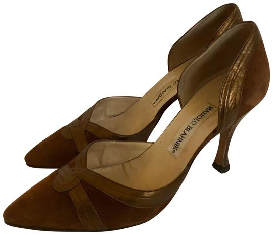 Preload https://img-static.tradesy.com/item/24148706/manolo-blahnik-brown-suede-metallic-bronze-leather-pumps-size-us-85-regular-m-b-0-1-540-540.jpg