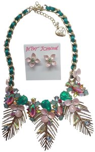 Betsey Johnson Betsey Johnson New Pink Flower Necklace and Earrings