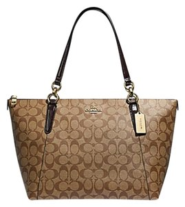 2564c737275 Coach Signature Totes - Up to 70% off at Tradesy (Page 18)