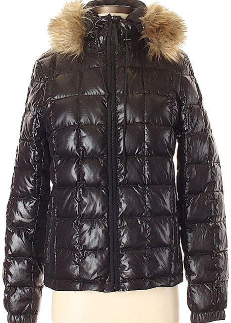 Preload https://img-static.tradesy.com/item/24156079/jcrew-black-nwot-quilted-puffer-jacket-with-fur-trim-coat-size-4-s-0-1-650-650.jpg