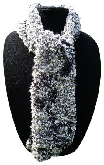 Preload https://img-static.tradesy.com/item/24156138/black-and-white-silky-handmade-scarfwrap-0-1-540-540.jpg