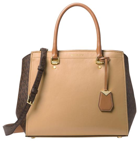 Preload https://img-static.tradesy.com/item/24156215/michael-kors-benning-large-and-acornbrown-leather-satchel-0-1-540-540.jpg