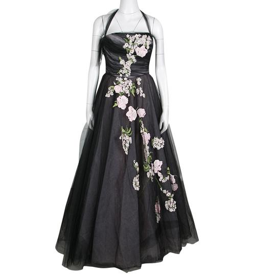 Preload https://img-static.tradesy.com/item/24156307/oscar-de-la-renta-black-floral-embroidered-and-appliqued-tulle-halter-gown-m-casual-wedding-dress-si-0-0-540-540.jpg