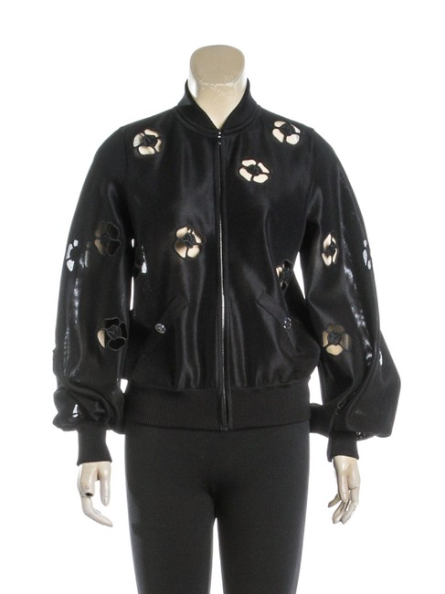 Preload https://img-static.tradesy.com/item/24156361/chanel-black-knit-camellia-bomber-34-486328-jacket-size-8-m-0-0-650-650.jpg
