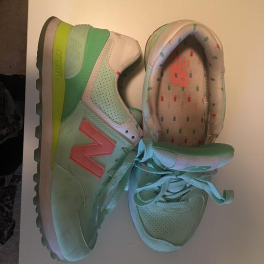 New Balance lime green/peach/white Athletic