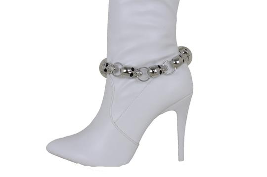 Preload https://img-static.tradesy.com/item/24156564/silver-women-metal-boot-chain-anklet-multi-skulls-shoe-bracelet-0-0-540-540.jpg