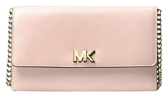 Preload https://img-static.tradesy.com/item/24156706/michael-michael-kors-mott-soft-pink-leather-clutch-0-1-540-540.jpg