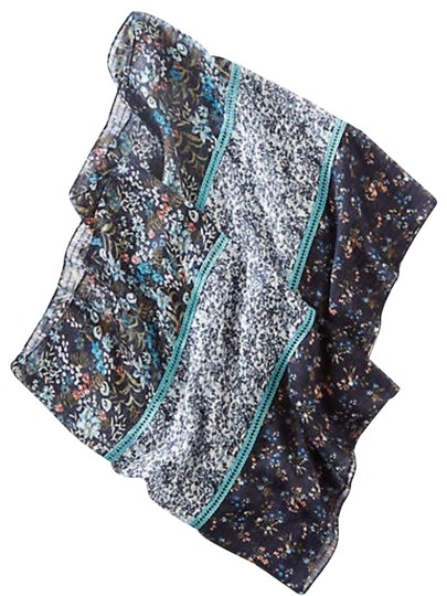 Preload https://img-static.tradesy.com/item/24156719/navy-blue-delicate-mixed-floral-infinity-scarfwrap-0-1-540-540.jpg
