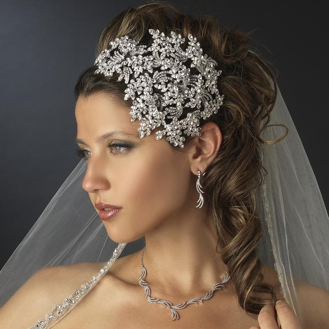 Item - Silver Vintage Couture Leaves Side Accented Crystal Headband Tiara