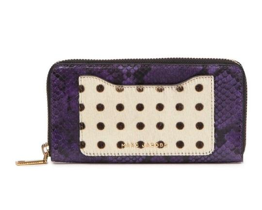 Preload https://img-static.tradesy.com/item/24157477/marc-jacobs-purple-red-genuine-calf-hair-and-embossed-leather-continental-wallet-0-0-540-540.jpg