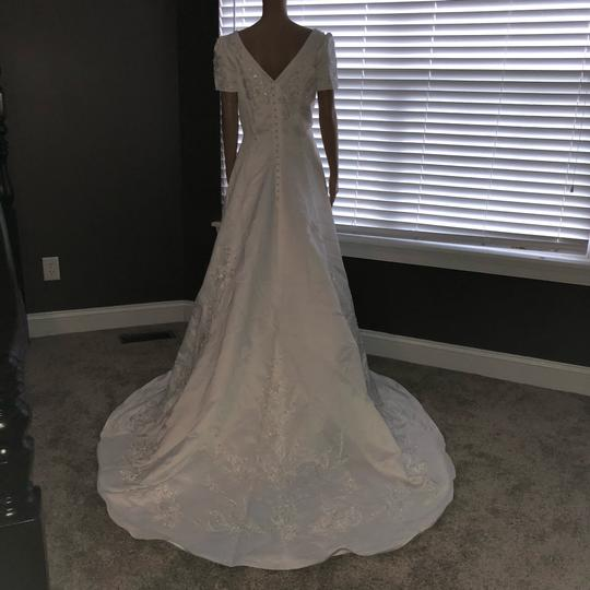 Preload https://img-static.tradesy.com/item/24157514/mary-s-bridal-white-long-vintage-wedding-dress-size-14-l-0-0-540-540.jpg