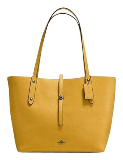 Preload https://img-static.tradesy.com/item/24157570/coach-market-in-polished-pebble-flaxyellow-leather-tote-0-1-540-540.jpg