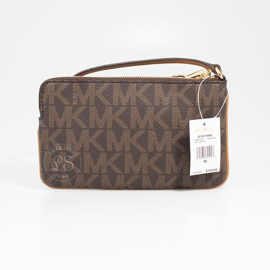 Michael Kors 191935704948 Wristlet in Brown/Acorn