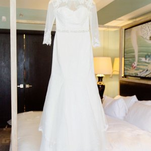 Melissa Sweet Ivory Chantilly Comes With Traditional Wedding Dress Size 4 (S)
