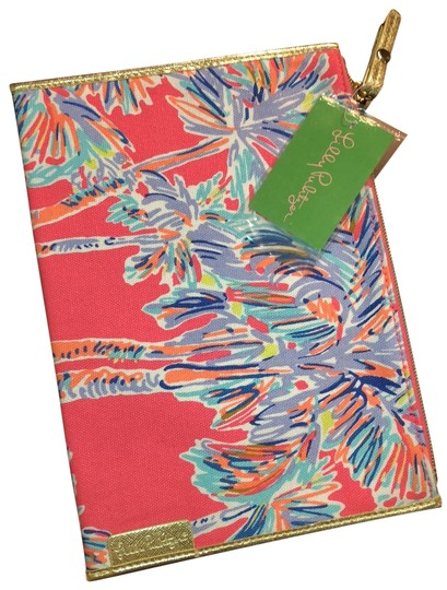 Preload https://img-static.tradesy.com/item/24157935/lilly-pulitzer-seaspray-pouch-nice-stems-clutch-0-1-540-540.jpg