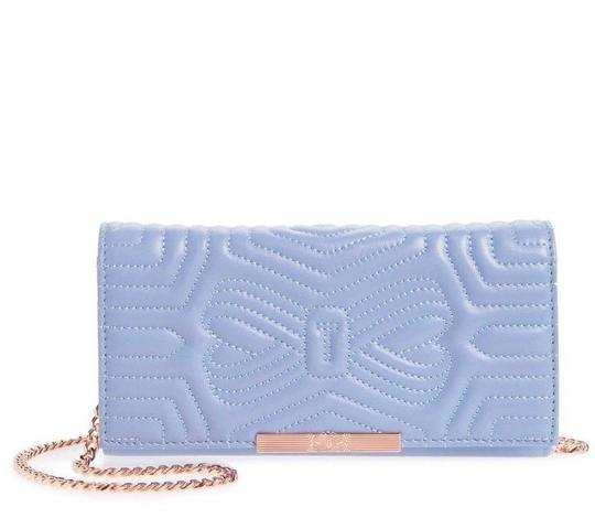 Preload https://img-static.tradesy.com/item/24158022/ted-baker-ciliaa-quilted-bow-clutch-blue-leather-cross-body-bag-0-2-540-540.jpg