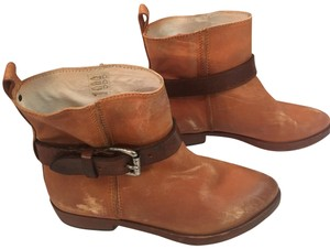 HTC natural Boots