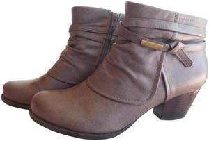 Bare Traps Booties Brushed Brown Boots
