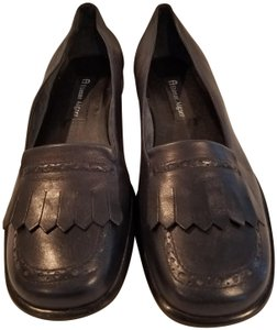 Etienne Aigner Leather Soft Comfortable Front Flap Preppy Black Flats