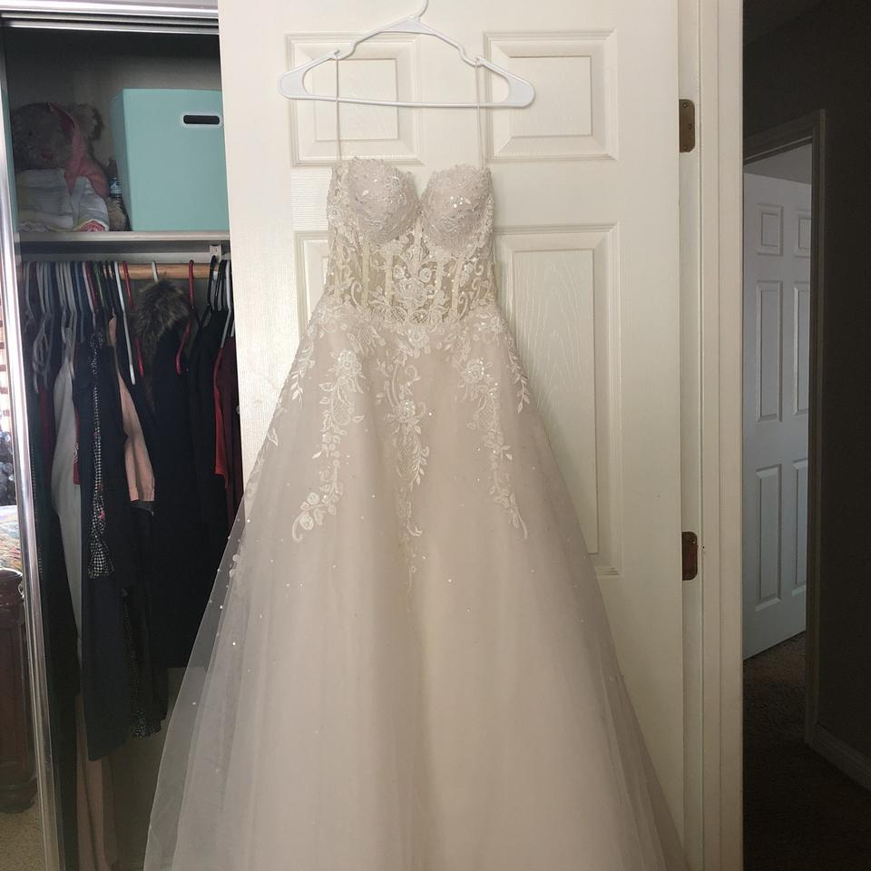 0235d492bf0 Reem Acra Cream Tulle and Hand Beaded Claudia Bridal Gown Feminine Wedding  Dress Size 8 ...