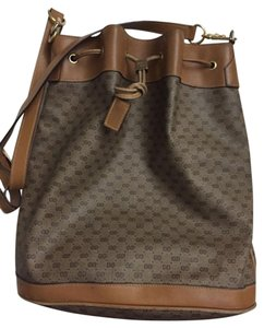 Gucci Backpacks and Bookbags - Up to 70% off at Tradesy (Page 7) 34900fb0f03c8