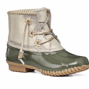 Jack Rogers Green, Gold Boots