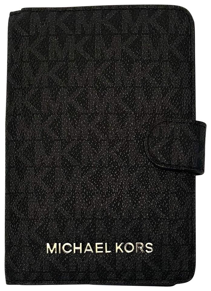 2454823f4cec Michael Kors Michael Kors Jet Set Travel Passport Holder Wallet New Image 0  ...