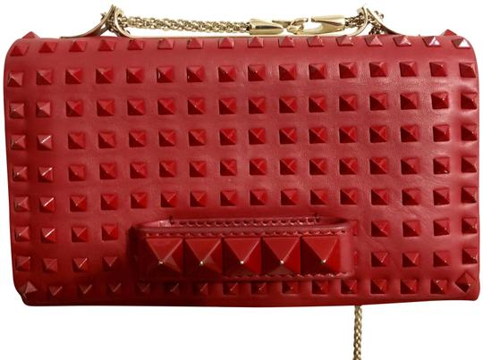 Preload https://img-static.tradesy.com/item/24165452/valentino-vavavoom-red-leather-cross-body-bag-0-1-540-540.jpg