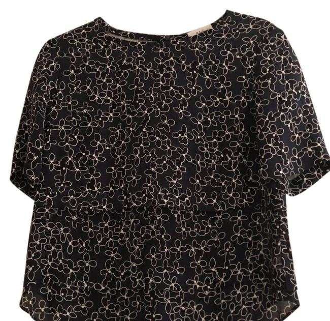 Preload https://img-static.tradesy.com/item/24165537/alc-navy-black-and-white-floral-print-tiered-blouse-size-4-s-0-1-650-650.jpg