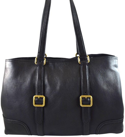 Preload https://img-static.tradesy.com/item/24165539/frye-lily-black-leather-tote-0-1-540-540.jpg