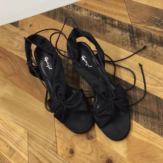 Spiegel Black Sandals