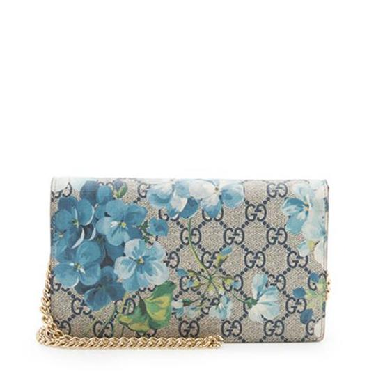 Preload https://img-static.tradesy.com/item/24165648/gucci-blooms-supreme-wallet-on-chain-blue-canvas-cross-body-bag-0-0-540-540.jpg