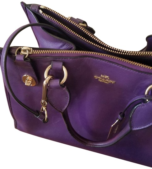Preload https://img-static.tradesy.com/item/24165665/coach-medium-purse-royal-purple-nubuck-leather-shoulder-bag-0-2-540-540.jpg