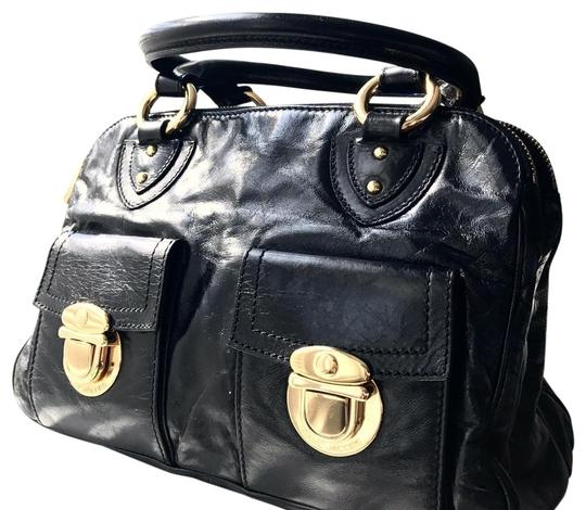 Preload https://img-static.tradesy.com/item/24165730/marc-jacobs-women-s-metallic-leather-venetia-and-wallet-black-shoulder-bag-0-1-540-540.jpg