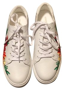 Kenneth Cole white Athletic