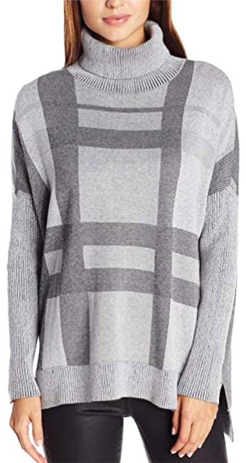 Preload https://img-static.tradesy.com/item/24166112/minnie-rose-plaid-turtleneck-tunic-gray-sweater-0-1-650-650.jpg