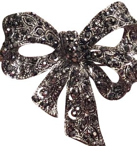 Jewels Shining Marcasite Brooch