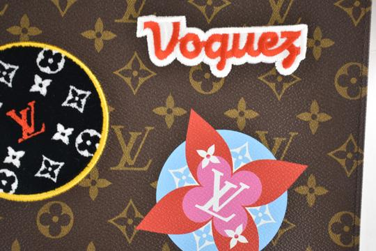 Louis Vuitton Classic Leather Monogram Patches brown Clutch Image 2