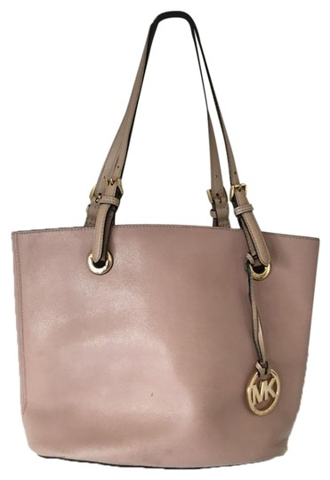 Preload https://img-static.tradesy.com/item/24166701/michael-kors-pink-saffiano-leather-tote-0-1-540-540.jpg