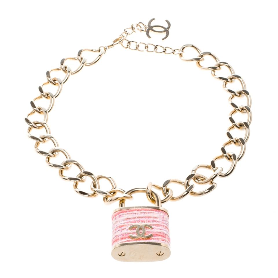 bc62ba4a1a8c0e Chanel Tweed CC Oversized Padlock Gold Tone Chain Necklace Image 5. 123456