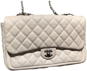 75bba31f78dc White Chanel Bags - 70% - 90% off at Tradesy (Page 3)
